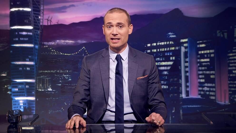 Komikern Jesper Rönndahl meddelar nu att han slutar som programledare för satirprogrammet Svenska Nyheter