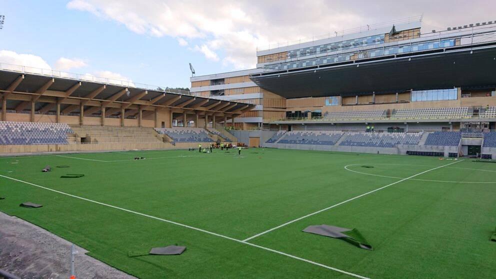Studenternas i Uppsala. Konstgräs. Läktare på plats för 5700 personer.
