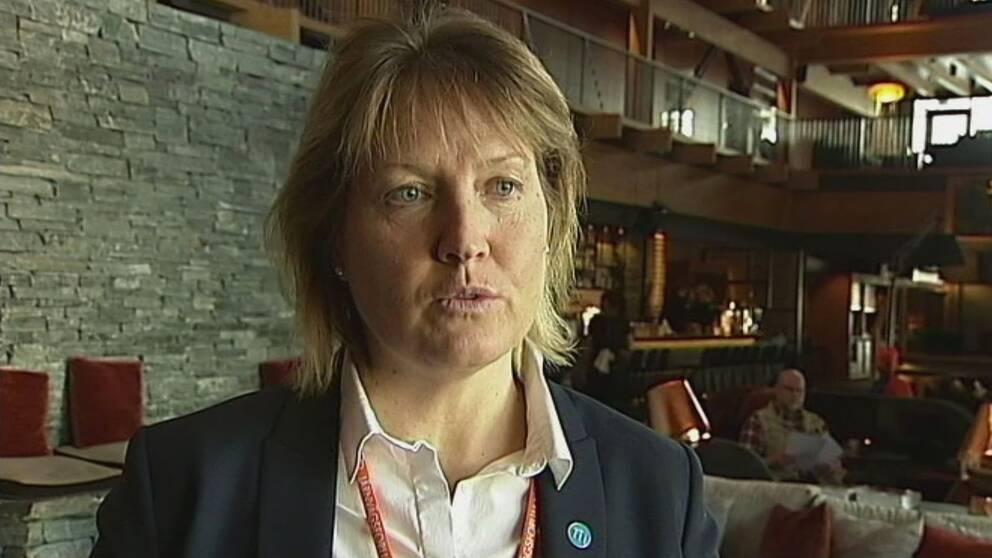 Elise Ryder Wikén intervjuas på hotellet Copper Hill i Åre