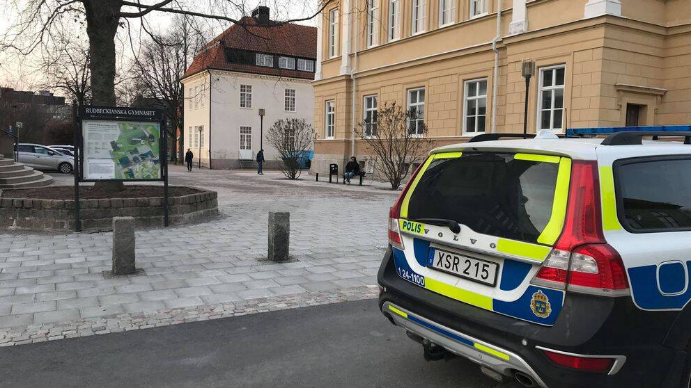 En Gripen Misstankt For Hotet Mot Rudbeckianska Gymnasiet