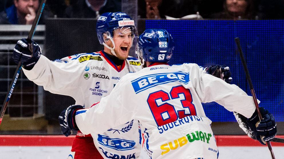 Jonas Engström jublar efter sitt ledningsmål för Oskarshamn.