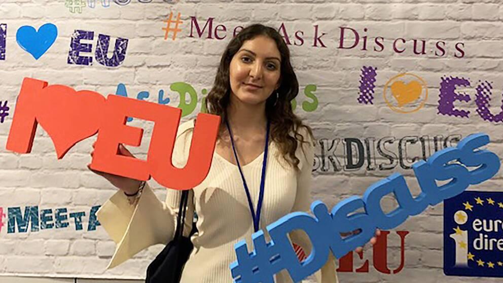 Victoria Afnani, Hallands yngsta EU-ambassadör.