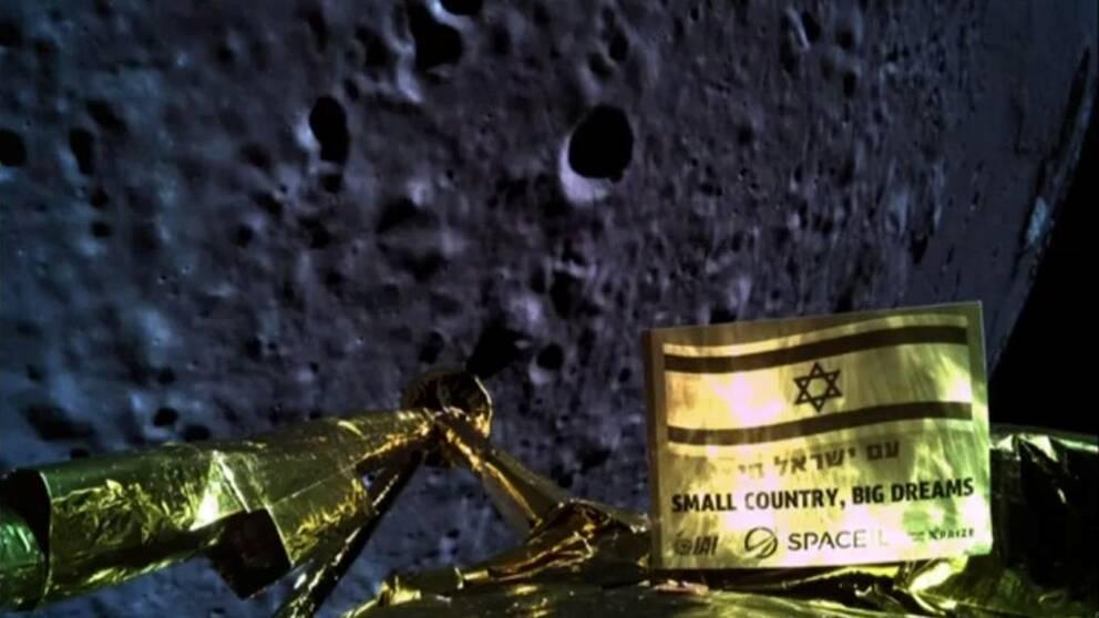 En bild från rymdfarkosten kort innan kraschlandningen på månen.