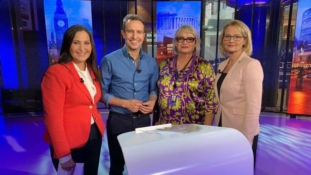 Programledare Katia Elliott och toppkandidaterna till EU-parlamentet Tomas Tobé (M), Soraya Post (Fi) och Heléne Fritzon (S).