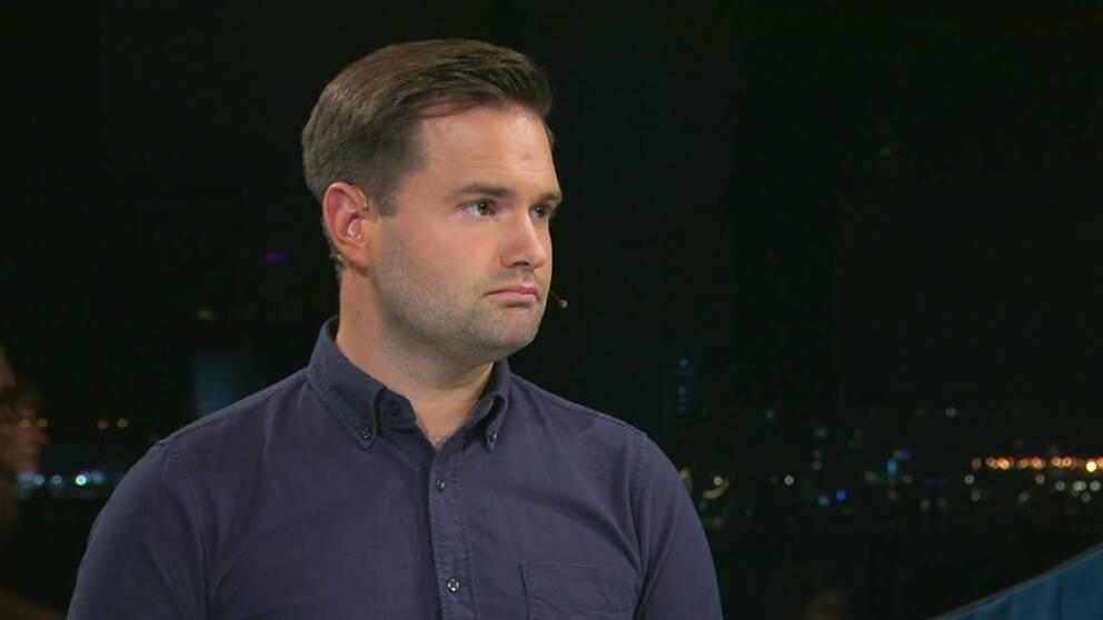 Riksdagsledamoten Erik Bengtzboe ska, enligt Aftonbladets uppgifter, bland annat ha varit folkbokförd hos sin mamma trots att han inte bott där.