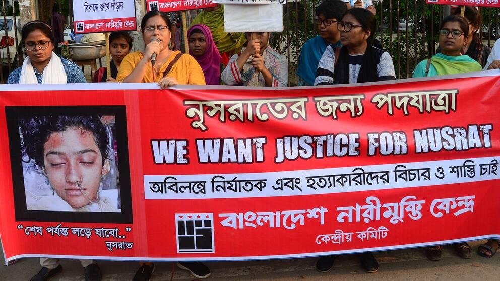 En manifestation i Dhaka, huvudstad i Bangladesh.