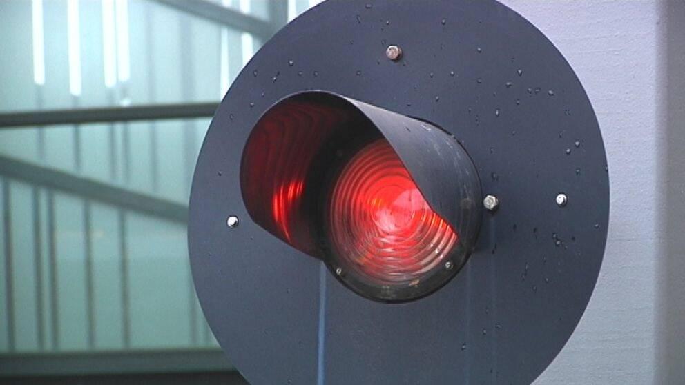 Rött ljus för tågtrafik