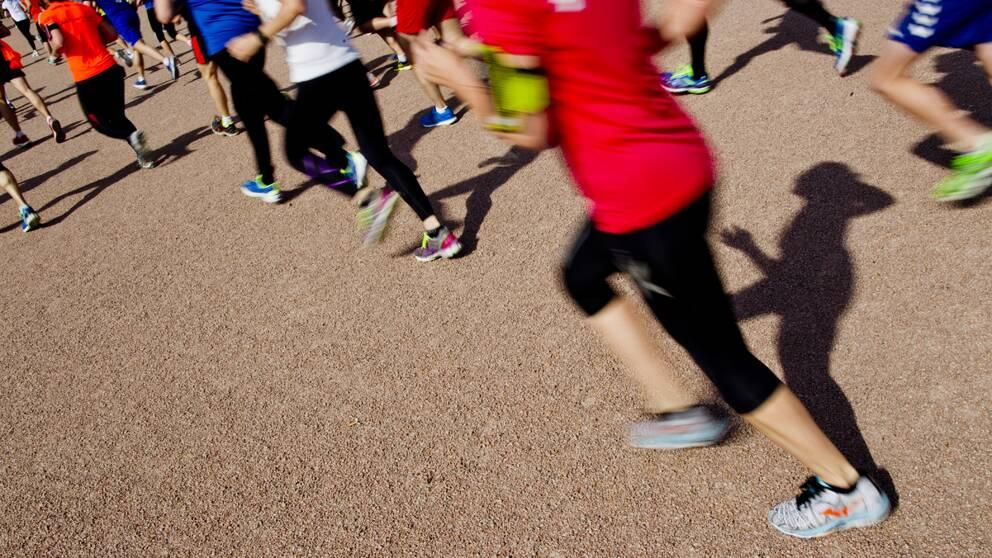 Personer som joggar