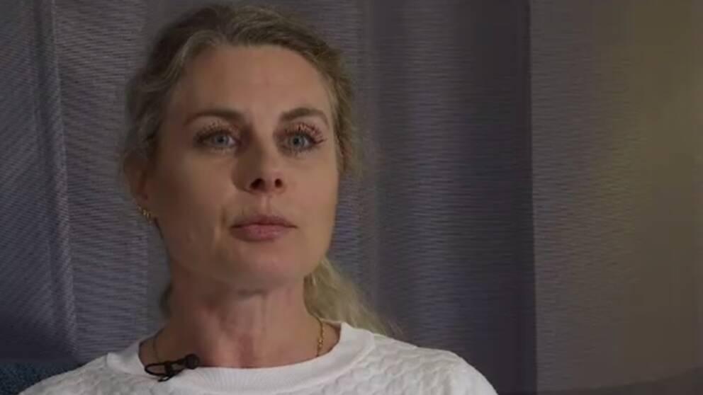 """""""Har man blivit rånad så har man blivit det med vapen. Ofta med kniv, pistol eller basebollträ"""", säger Jenny Ottosson på stödcentrum för brottsutsatta unga."""