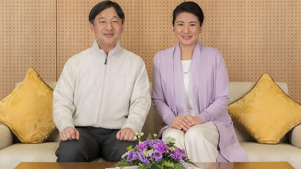 Med det nya kejsarparet Naruhito och Masako inleds en ny tidräkning, Reiwa, som används för att beskriva tidsandan i en del av historien.