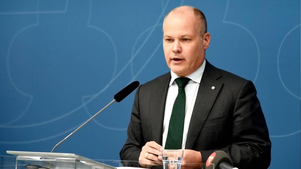 Morgan Johansson (S) har tillsatt en utredning om gode män. I dag presenterade statskontoret resultatet.