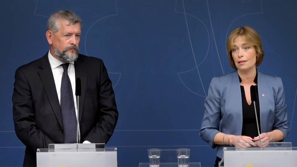 Nils Öberg presenterades som Försäkringskassans nya generaldirektör vid en pressträff med socialförsäkringsminister Annika Strandhäll (S) under torsdagen
