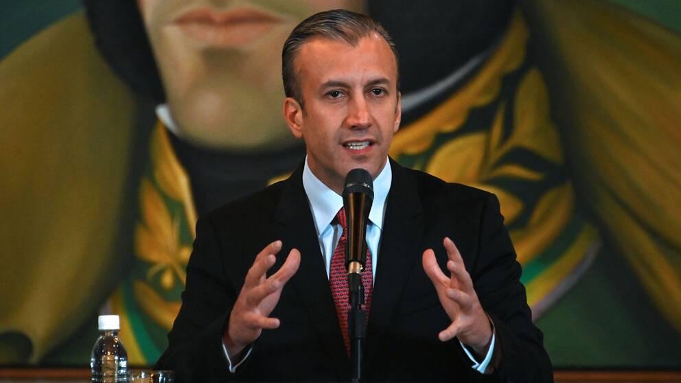 Tareck El Aissami, industriministern och tidigare vice-presidenten, gick ut med nyheten i ett tv-sänt tal på fredagen.