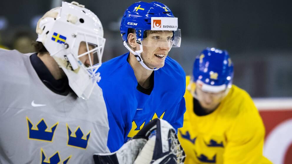 John Klingberg har anslutit till det svenska laget.
