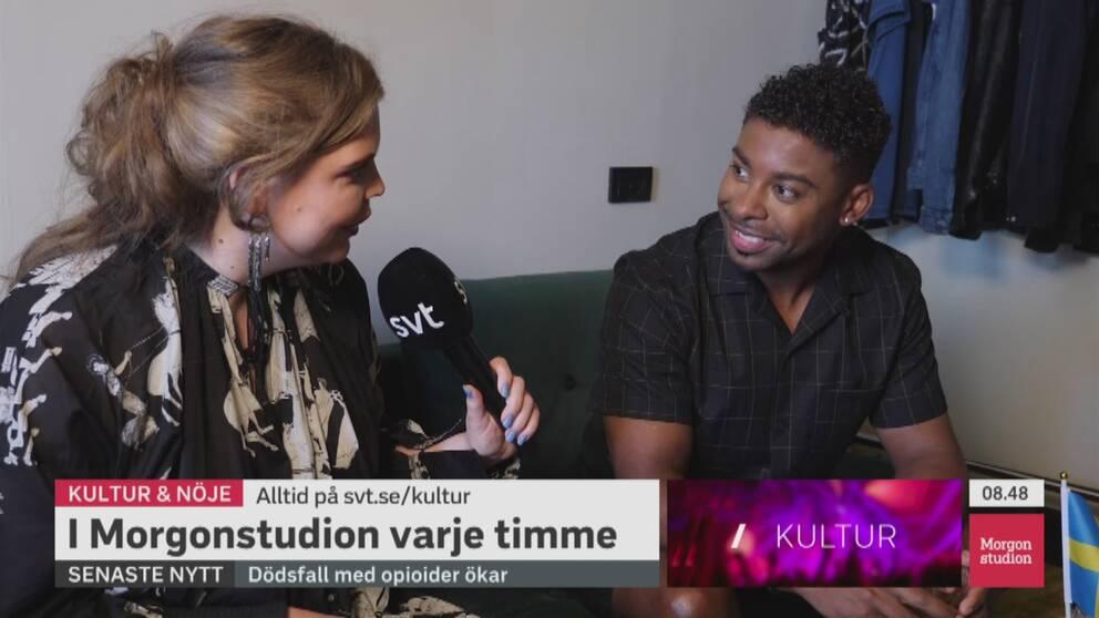 John Lundvik berättar att kvällens framträdande under semifinalen i Eurovision song contest kommer vara lite mer extra allt.