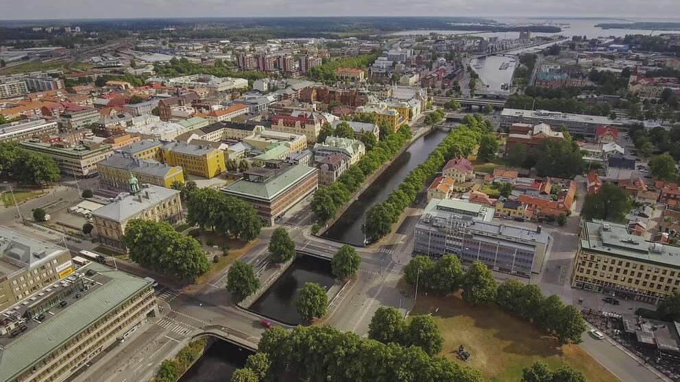 Flygbild över centrala Gävle.