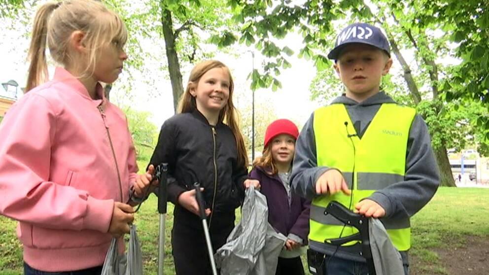 Skräpplockarklubben i Kalmar var under söndagen ute på sitt första uppdrag: Städa området runt Kalmar centralstation.