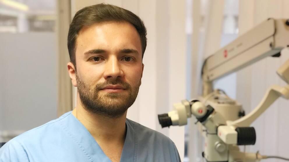 TandläkarenNouraliKarajev på en mottagning i Stockholm.