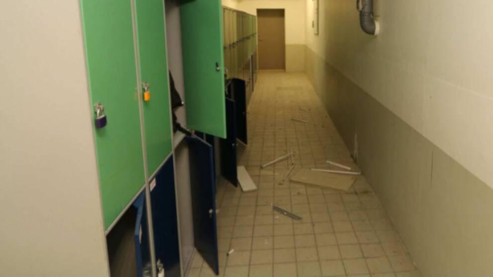 I korridoren där rörbomberna sprängdes.