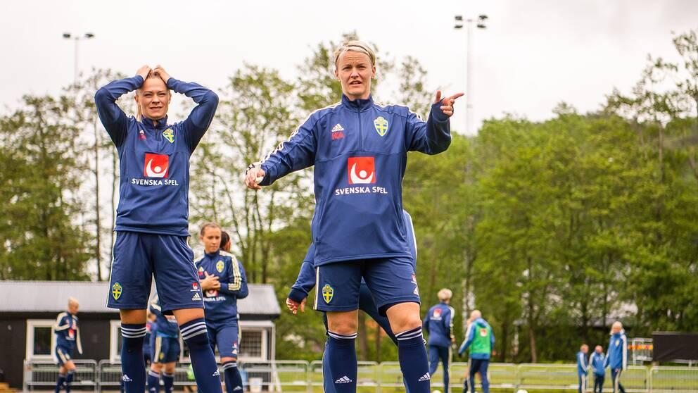 Både Fridolina Rolfö och Nilla Fischer fick avbryta dagens träning.