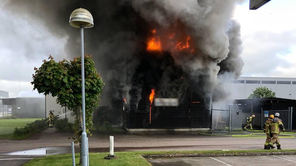 Brand på industri i Kungsbacka.