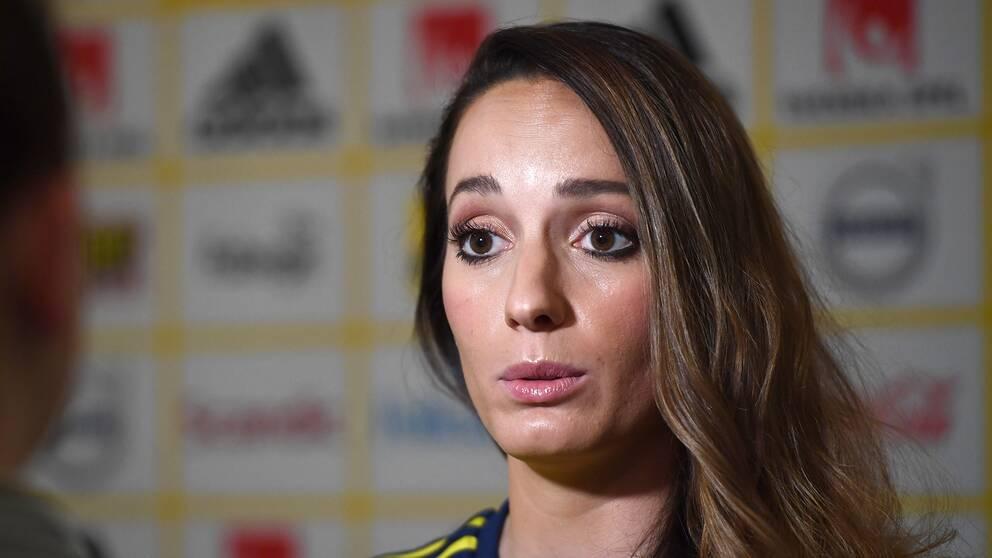 Kosovare Asllani är upprörd efter rapporterna om flera sexuella övergrepp inom damfotbollen.