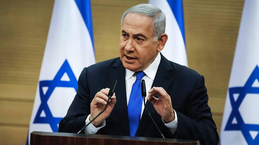Israels premiärminister Benjamin Netanyahu befinner sig just nu i en av sina svåraste positioner hittills