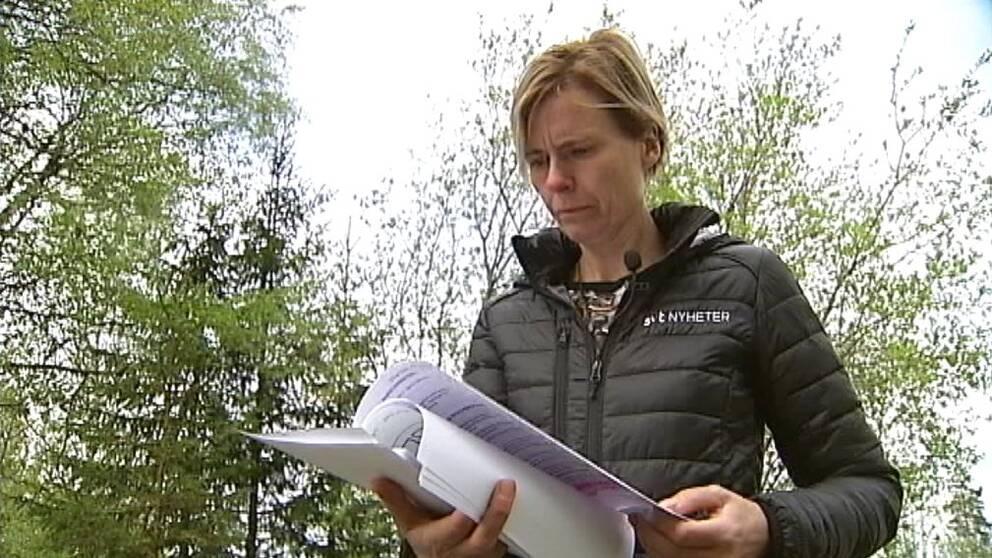 Bild på Sara Leijman, som läser rapporten