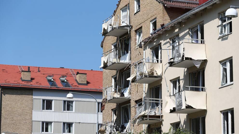 Explosion vid ett femvåningshus i centrala Linköping under fredagsmorgonen den 7 juni.