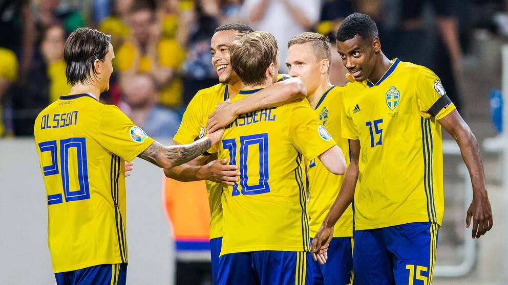 Alexander Isak gör 3-0 mot Malta.