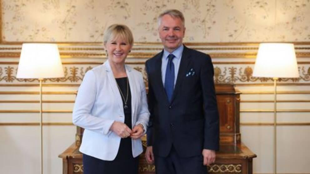 Ulkoministerit Margot Wallström ja Pekka Haavisto tapasivat Tukholmassa.