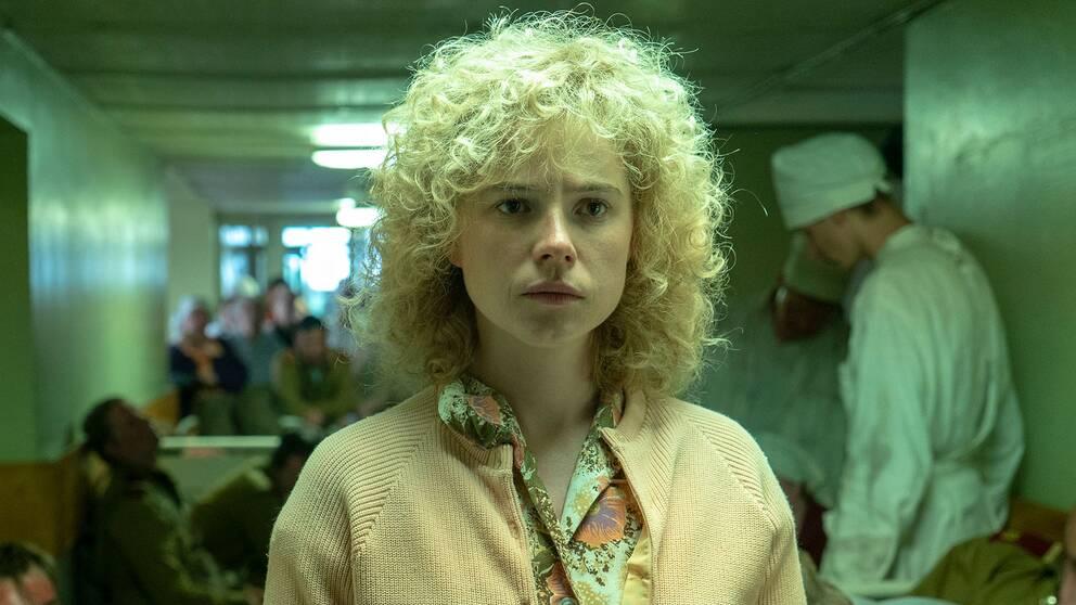 Jessie Buckley i rollen som brandmanshustrun Ljudmila i tv-serien Chernobyl.
