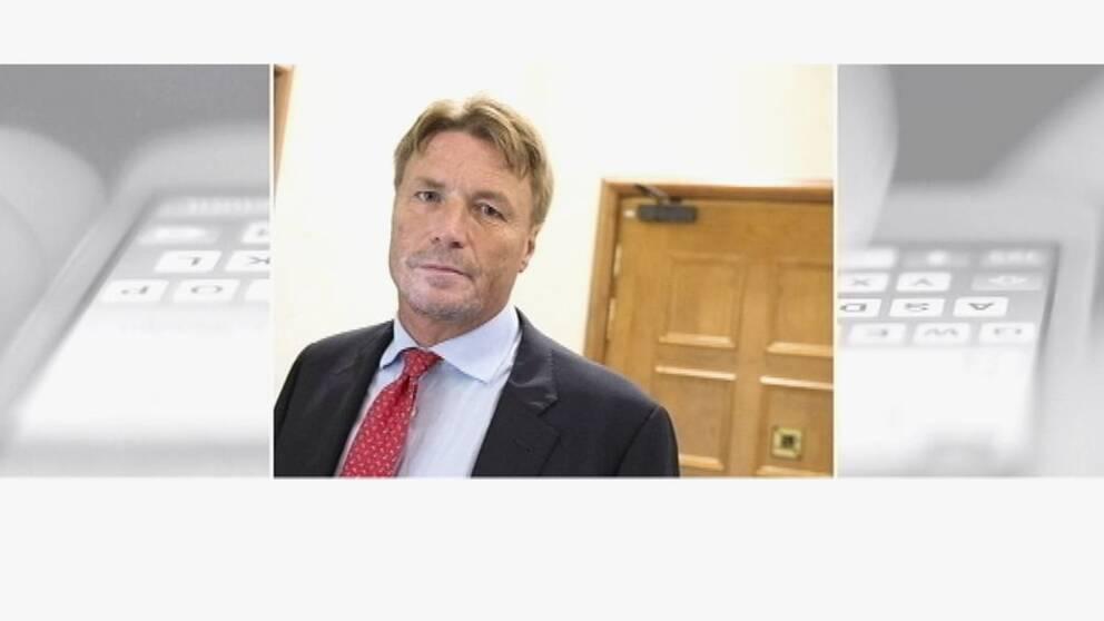 Hör advokat Thomas Bodström om parets svåra situation.