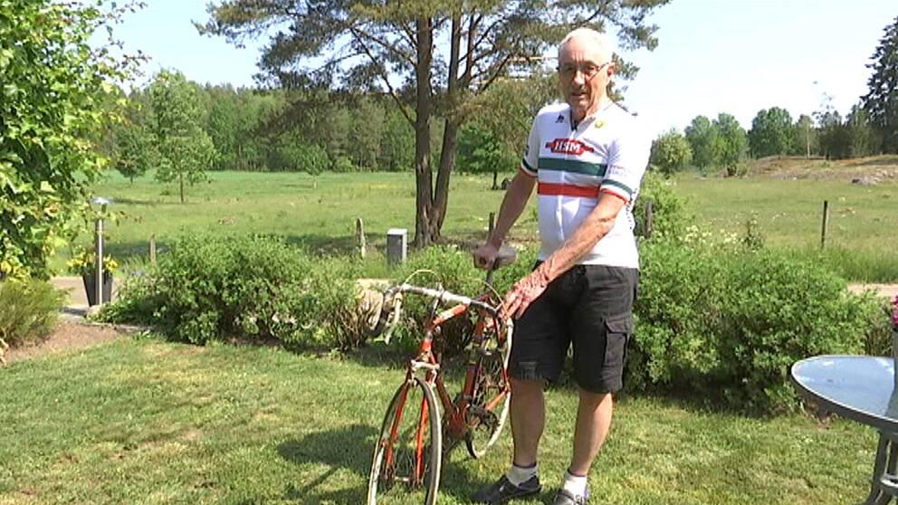 Nils-Gunnar Stedt cyklar vätternrundan
