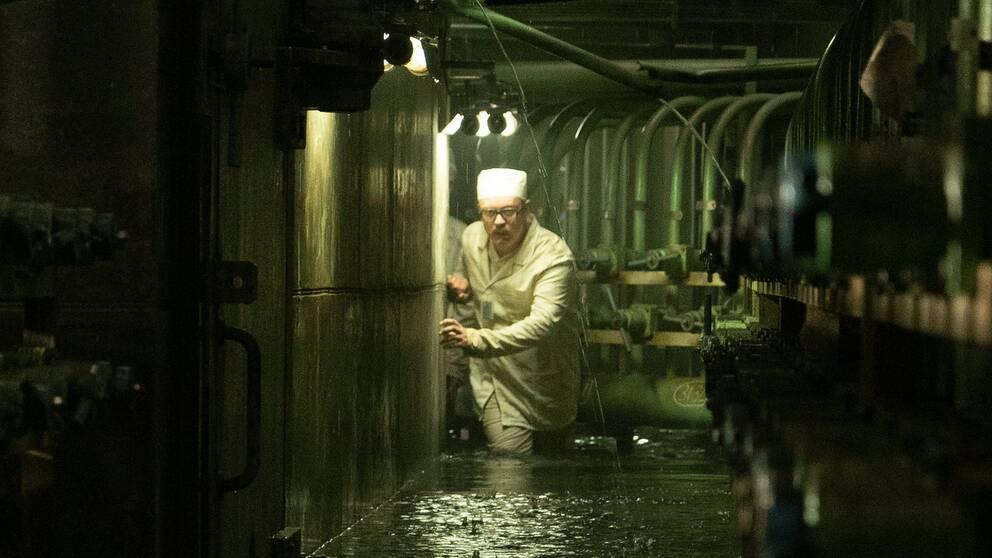 Tv-serien Chernobyl skildrar Tjernobyl-katastrofen 1986, hur den drabbade befolkningen och den sovjetiska regimens försök att mörklägga härdsmältan.