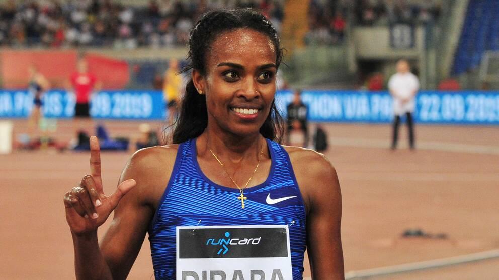 Genzebe Dibaba vann planenligt 1500 meter i Diamond League-tävlingen i Rabat.