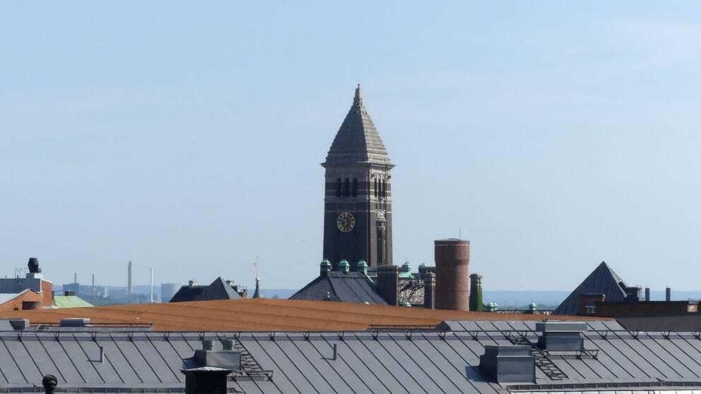 hustak och rådhusets torn i Norrköping