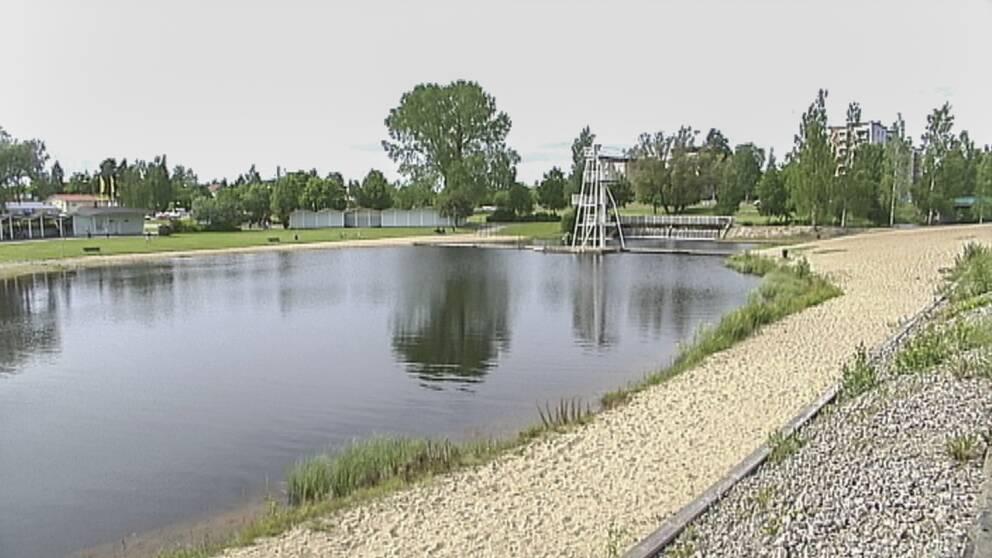 Vy över Karlslundsbadet i Bollnäs.