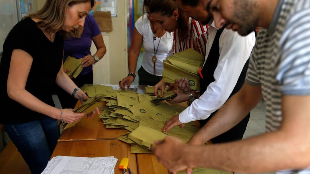 Röster räknas i Turkiet