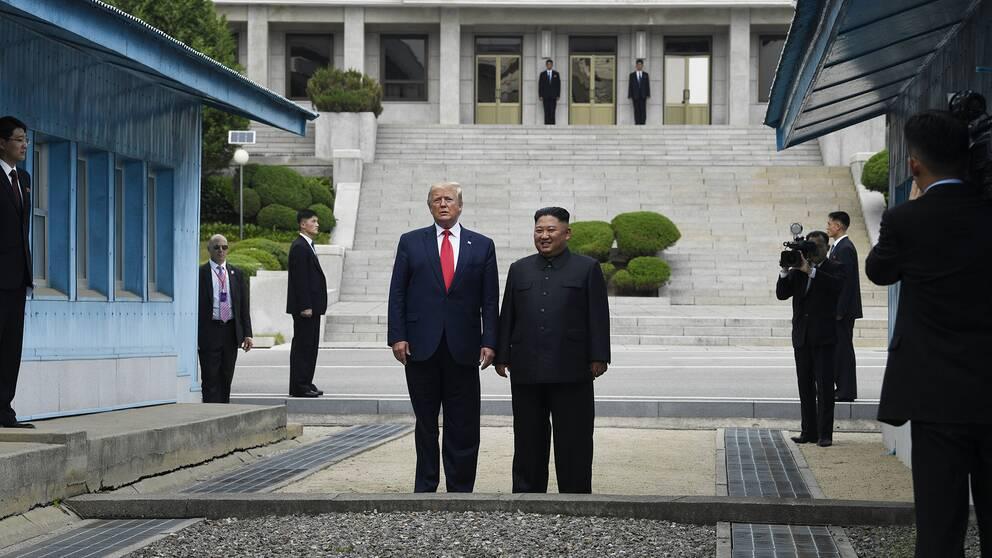 Historiskt möte mellan Kim Jong-Un och Donald Trump | SVT Nyheter