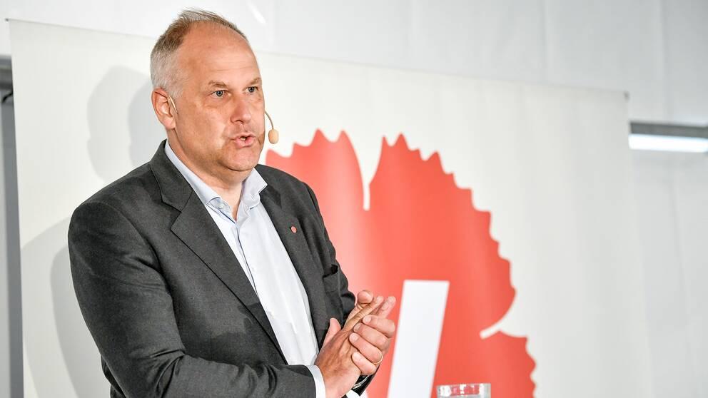 Vänsterpartiets partiledare Jonas Sjöstedt (V) håller pressträff under Vänsterpartiets dag på politikerveckan i Almedalen.