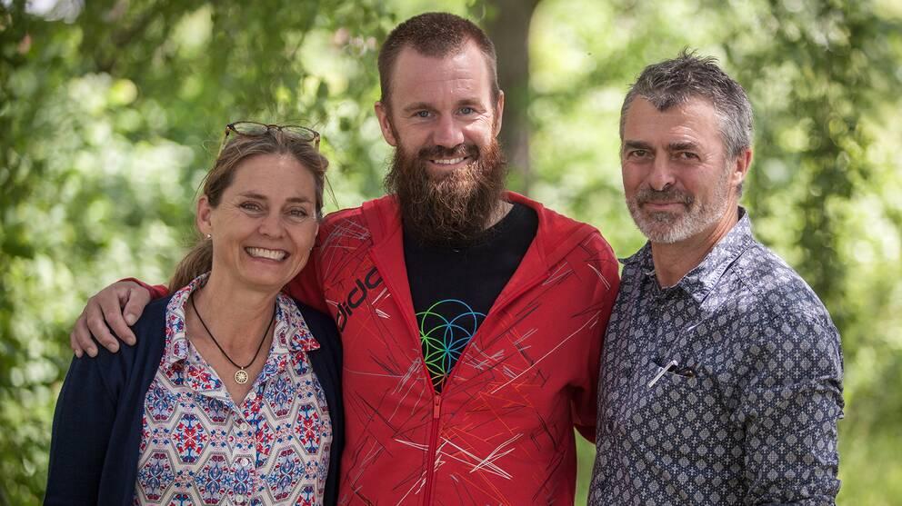 Marika Griehsel och Simon Stanford tillsammans med Johan Gustafsson