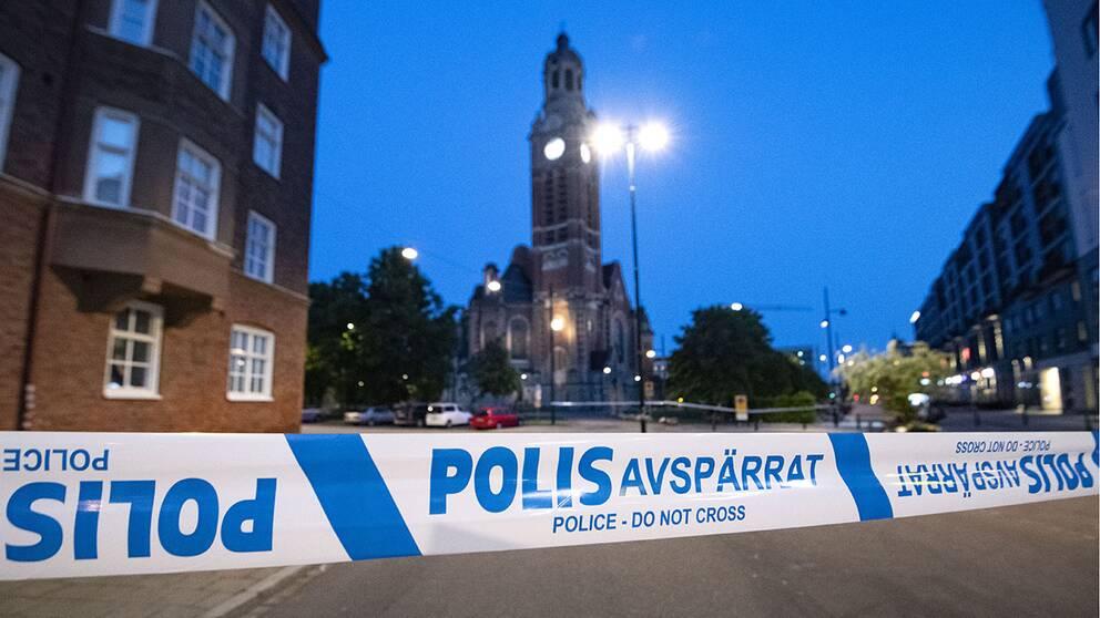 Den första av årets hittills två dödsskjutningar i Malmö ägde rum utanför köpcentret Triangeln på nationaldagen. Arkivbild.