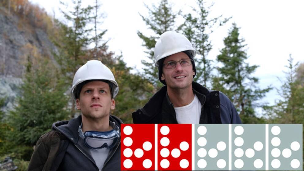 Jesse Eisenberg och Alexander Skarsgård i dramakomedin The hummingbird project.