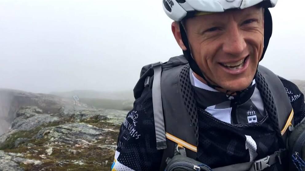 Oskar Svärd tävlar i Nordic Island Adventure Race.