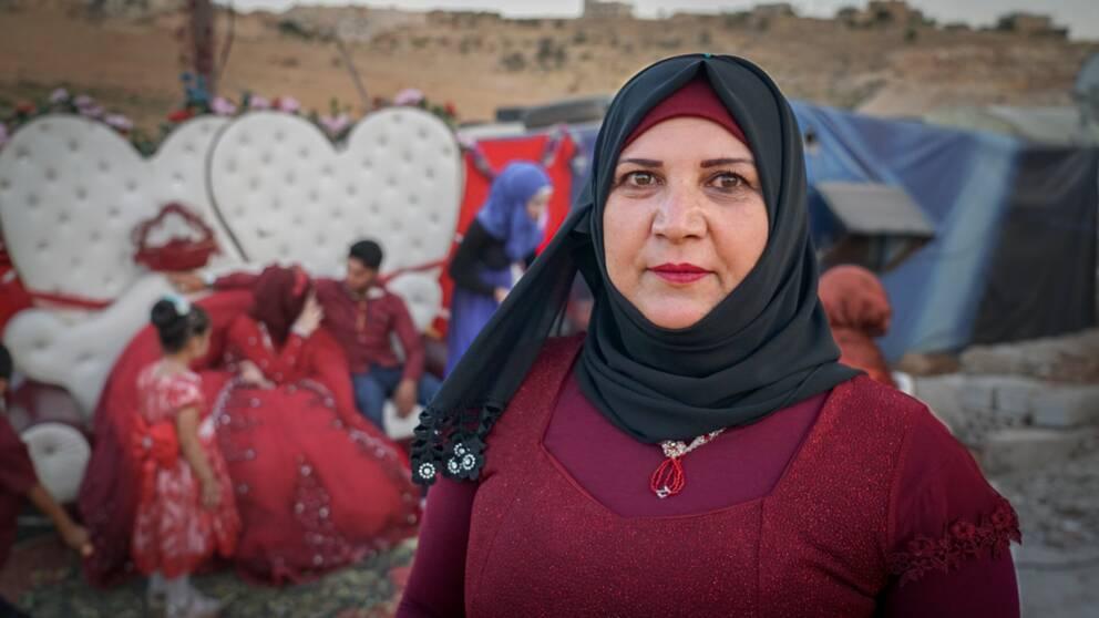 Amina Matar, mamma till brudgummen, gifte sig också när hon var ung.