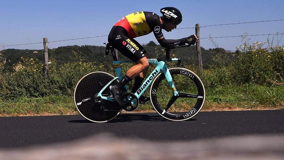 Wout van Aert kraschade under Tour de Frances 13:e etapp.