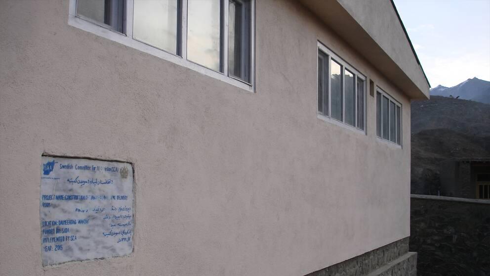 Svenska Afghanistankommittén kommer att öppna sina kliniker igen meddelar de i ett pressmeddelande.
