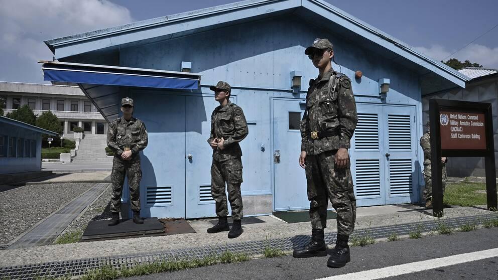 Sydkoreansk militär vid den demilitariserade zonen som skiljer Nord- och Sydkorea åt. Arkivbild.