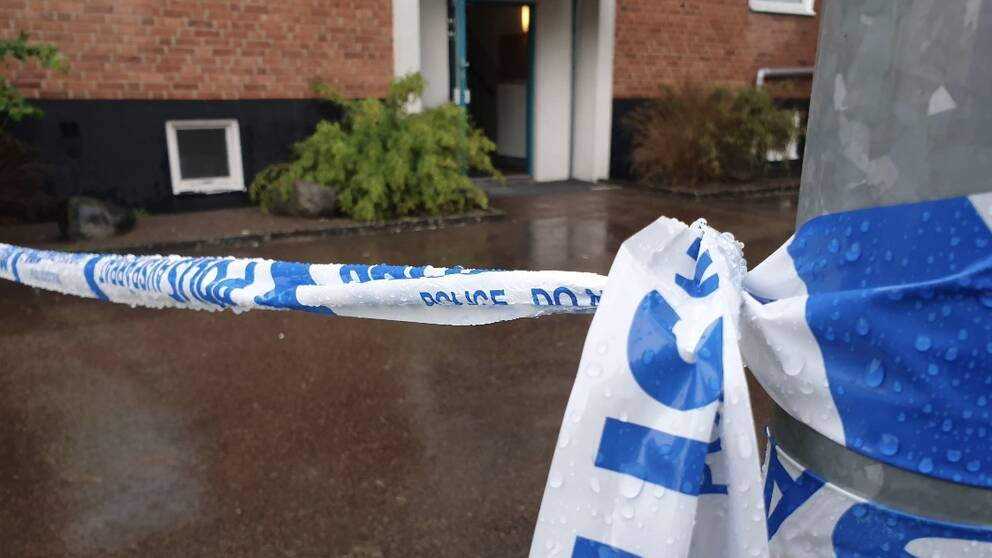 Avspärrad lägenhet i Laholm efter stort bråk.